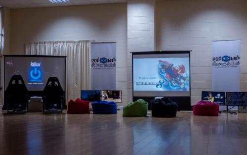 Pop-up arcade bean bags